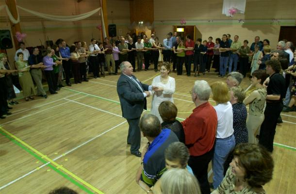Everyone sang Auld Lang Syne in honour of the wedding of Michéal and Magalie at the celebrations in the Community Centre, Castletown, Co Laois.